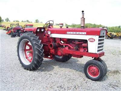 1022: NICE IH FARMALL 460 NARROW FRONT FARM TRACTOR