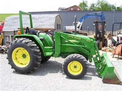 1029: NICE JOHN DEERE 990 4WD TRACTOR W/LOADER/278 HRS