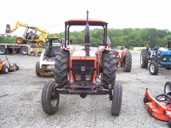 1028A: NICE AGCO ALLIS 5670 FARM TRACTOR - 4