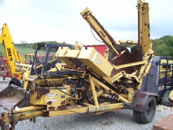 333: VERMEER TS 44 PULL TYPE SELF CONTAINED TREE SPADE  - 2