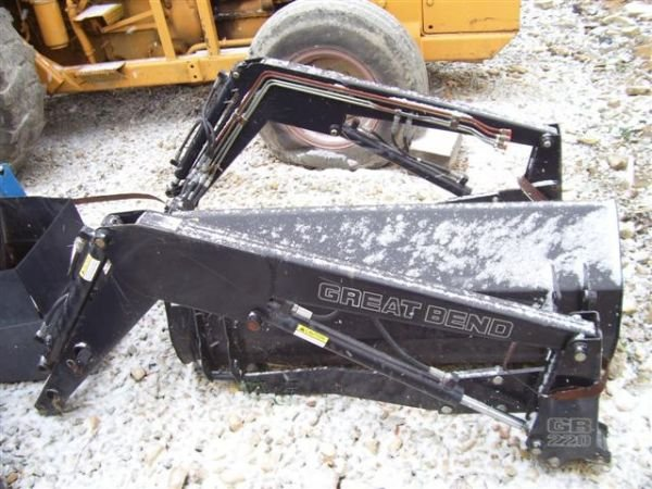 13:UNUSED 220 GREAT BEND LOADER FOR COMPACT TRACTOR     - 3