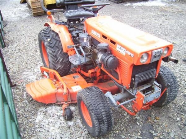 63: KUBOTA B7100 TRACTOR WITH BELLY MOWER 4WD - 3
