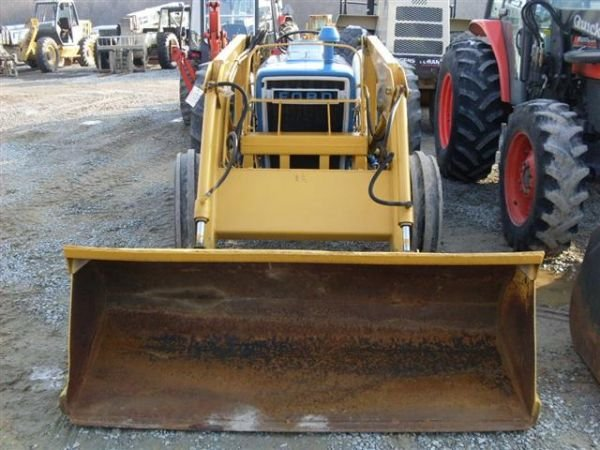 101: FORD 3600 TRACTOR WITH FRONT END LOADER