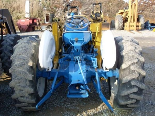 101: FORD 3600 TRACTOR WITH FRONT END LOADER - 6