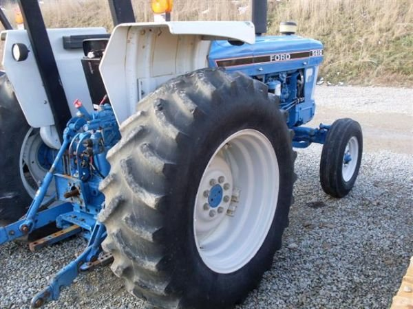 108: FORD 5610 SERIES 2 TRACTOR W/ CANOPY./LOW HOURS.  - 4