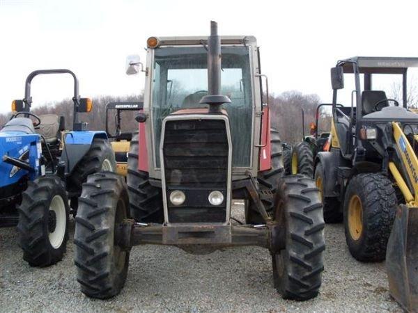 117: MASSEY FERGUSON 2640 4WD TRACTOR  W/CAB/HEAT/AIR