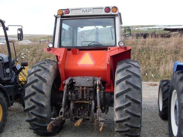 117: MASSEY FERGUSON 2640 4WD TRACTOR  W/CAB/HEAT/AIR - 4