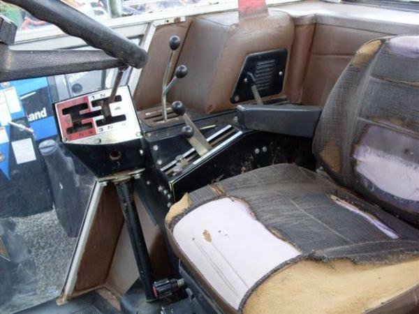 117: MASSEY FERGUSON 2640 4WD TRACTOR  W/CAB/HEAT/AIR - 7