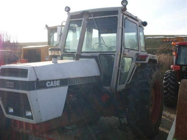 148: CASE 1690 TRACTOR W/CAB/HEAT - 3