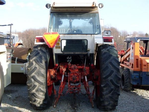 148: CASE 1690 TRACTOR W/CAB/HEAT - 4