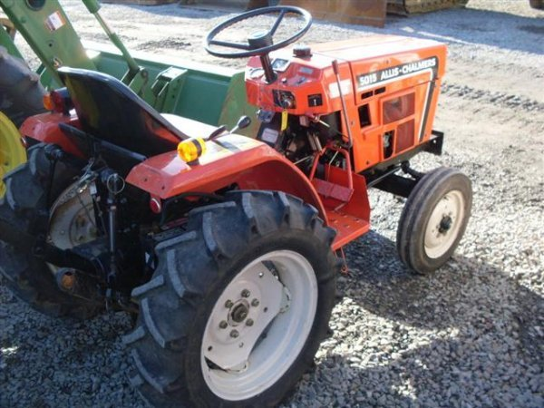 215: ALLIS CHALMERS 5015 COMPACT TRACTOR - 4