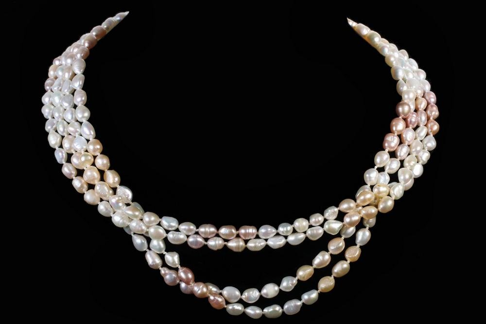 4-STRANDS OF FRESHWATER PEARLS