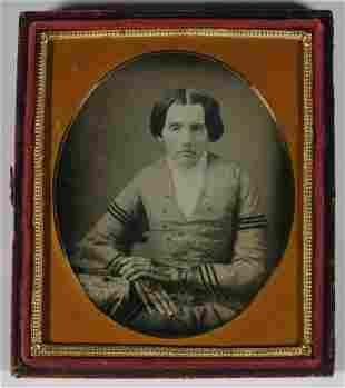 DAGUERREOTYPE PHOTO OF WOMAN, CIRCA 1860