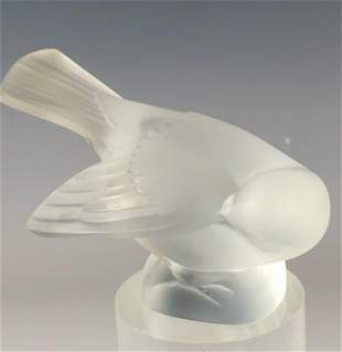 Lalique French Crystal Sparrow Glass Bird Figurine