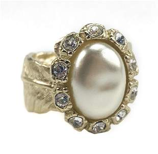 CHANEL Fall 2008 Gold Oval Pearl CZ Feather Ring