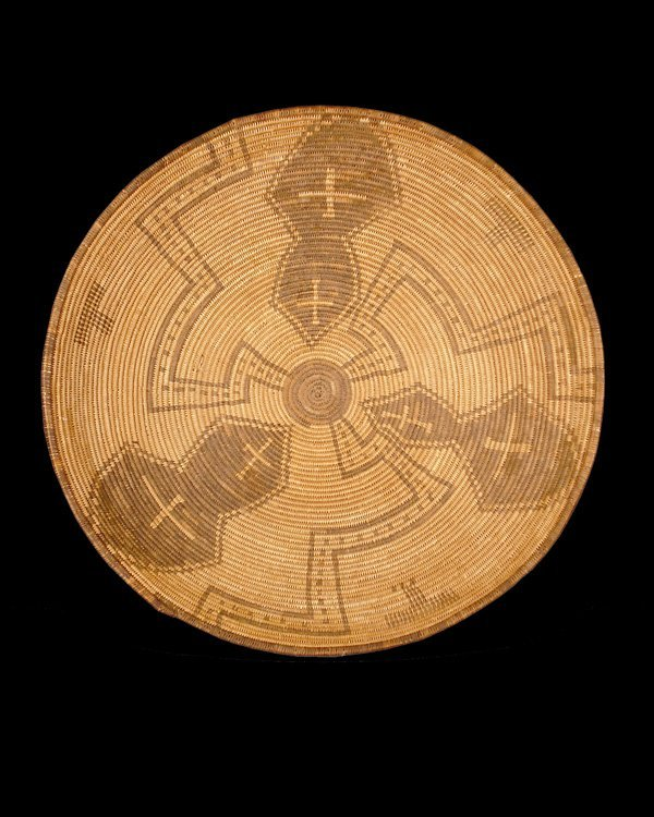 513: Apache basketry tray, Late 19th century. Rounded b