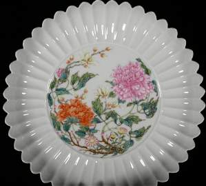 A POWDER ENAMEL FLOWER PLATE SHAPED WITH CHRYSANTHEMUM