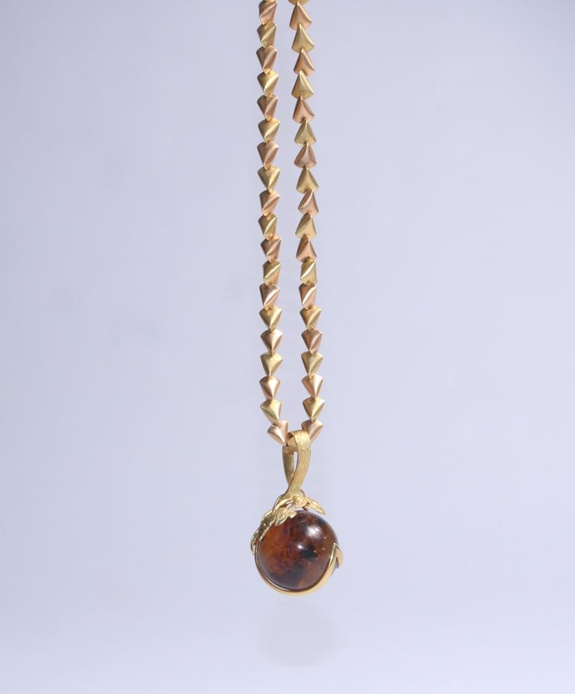 Amber Pendant Inlaid With 18K Gold (Round Ball)