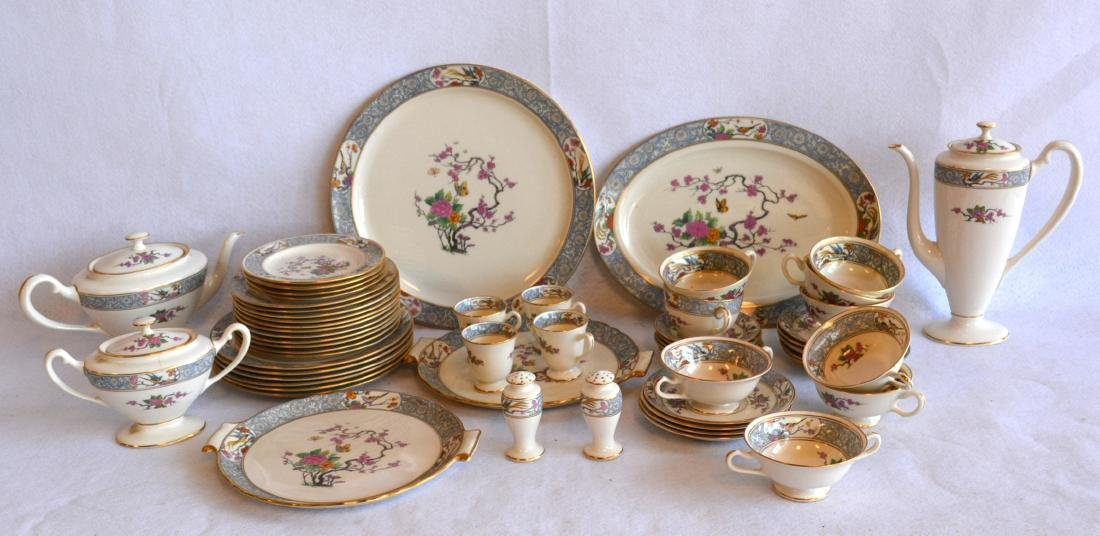 Set of Lenox china in the Ming pattern to include: six