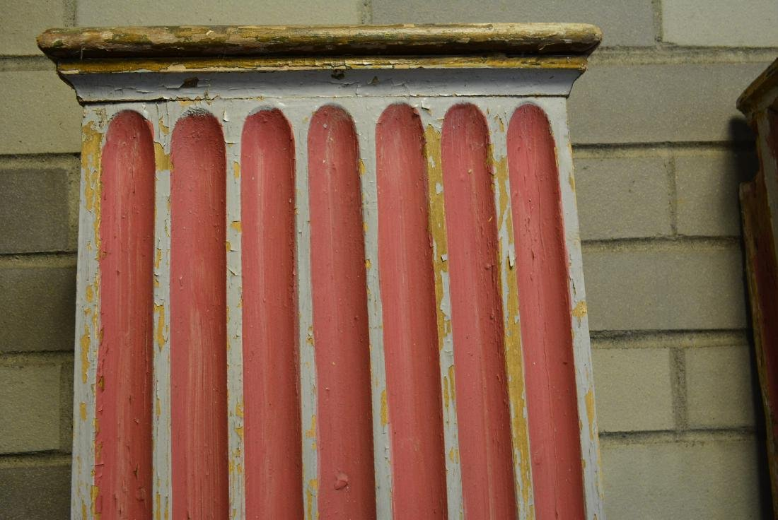 Grouping of 5 fluted architectural wooden columns in - 4