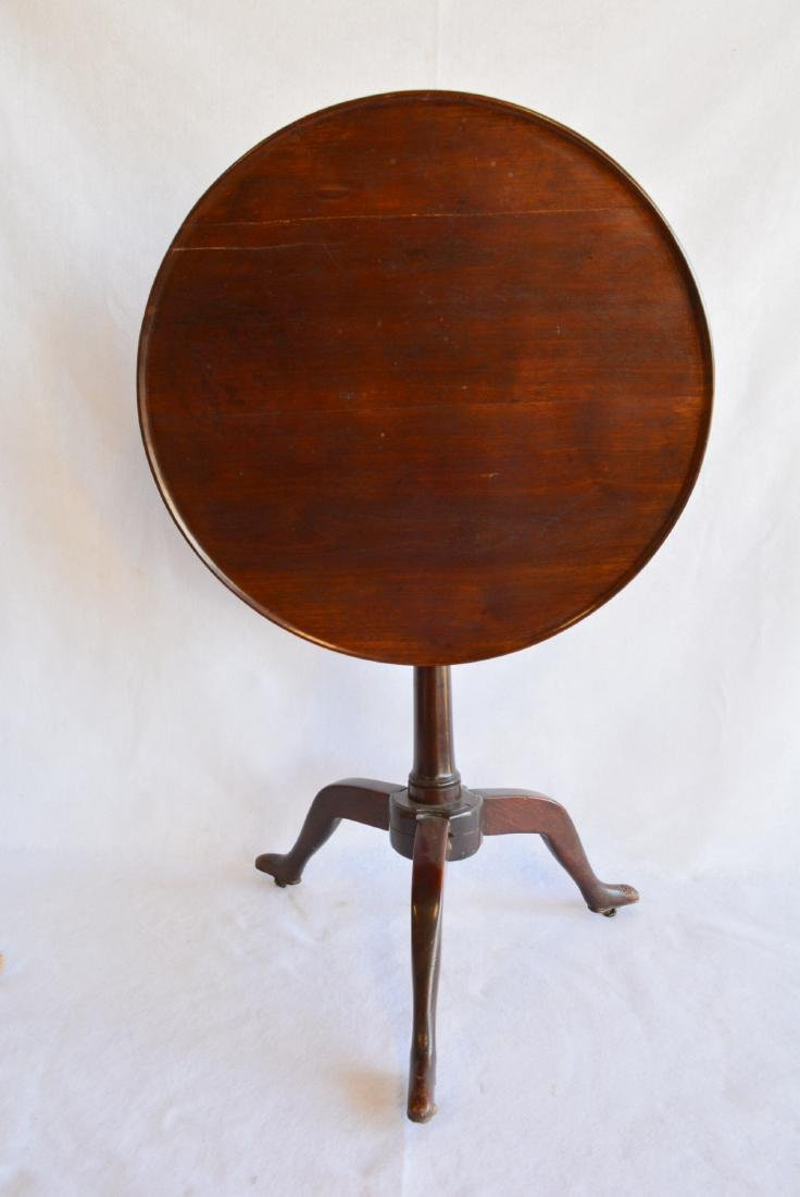 Mahogany Queen Ann candlestand with dish top and 3 legs