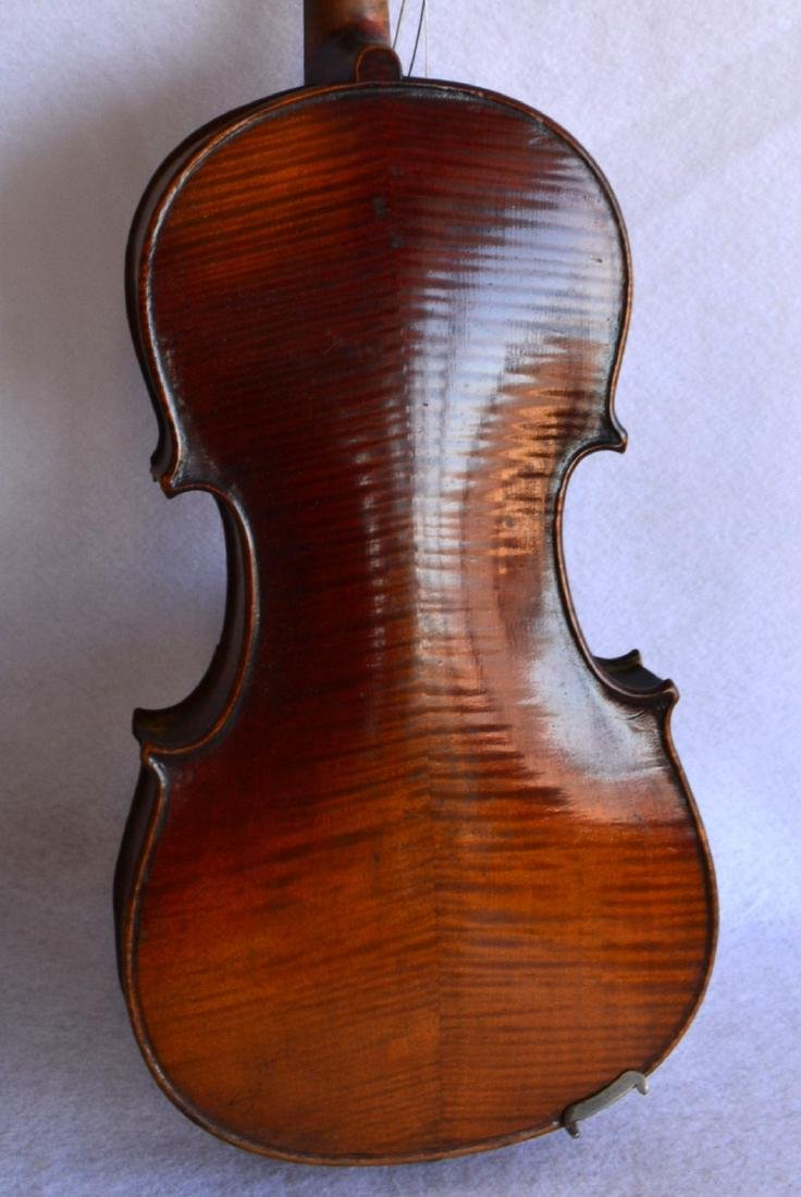 Violin with strong tiger maple on neck and back. - 3