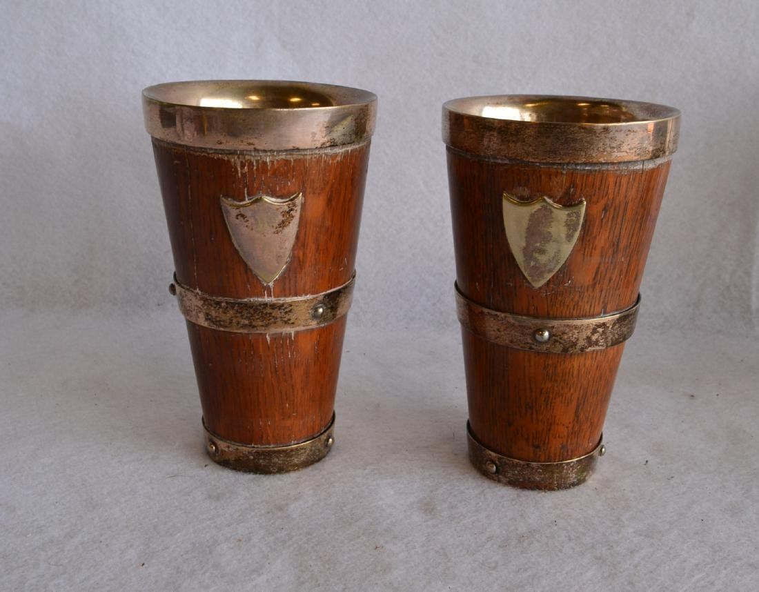 Silver and oak drinking set consisting of a pitcher and - 3