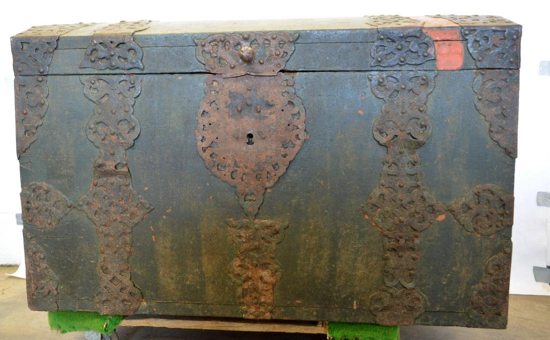 Rare 17th century dome top wooden storage chest with - 3