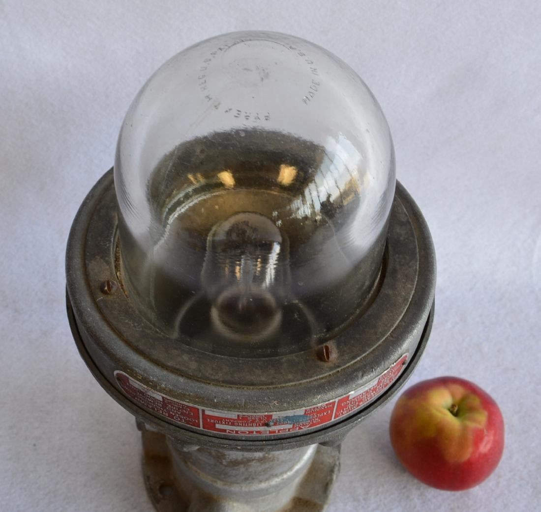 Appleton industrial light with original Pyrex glass - 3