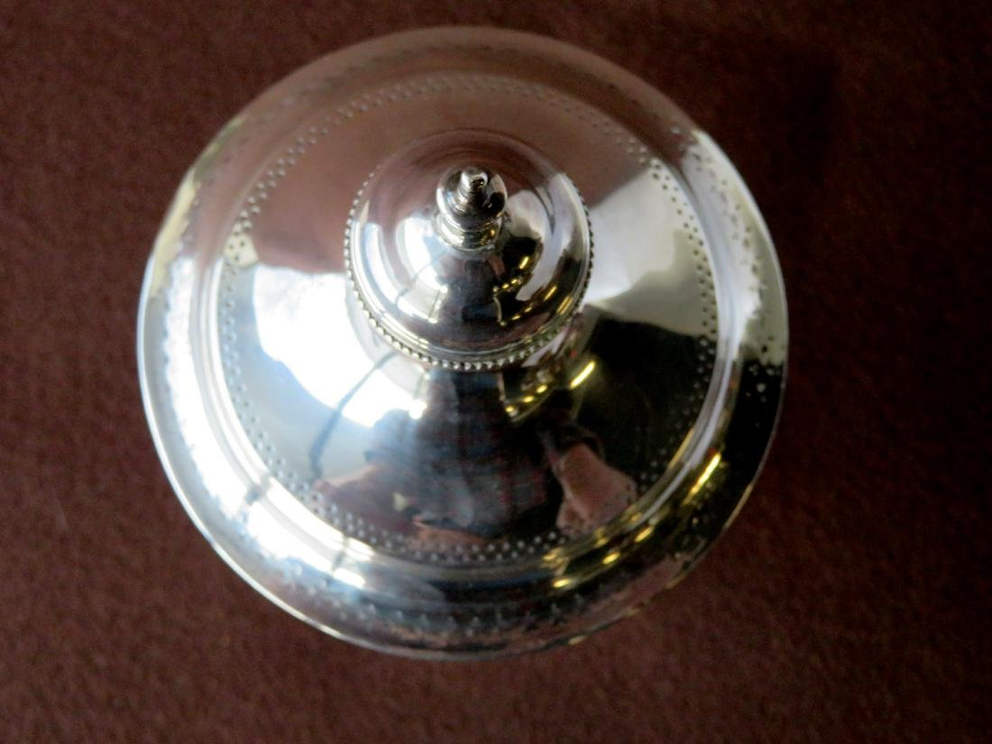 Hester Bateman (London 1709-1794). Silver sugar urn. - 5