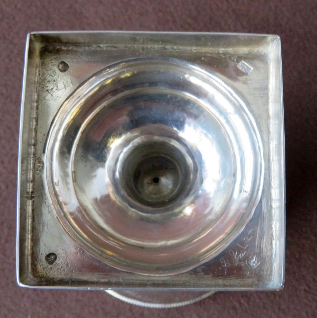 Hester Bateman (London 1709-1794). Silver sugar urn. - 7