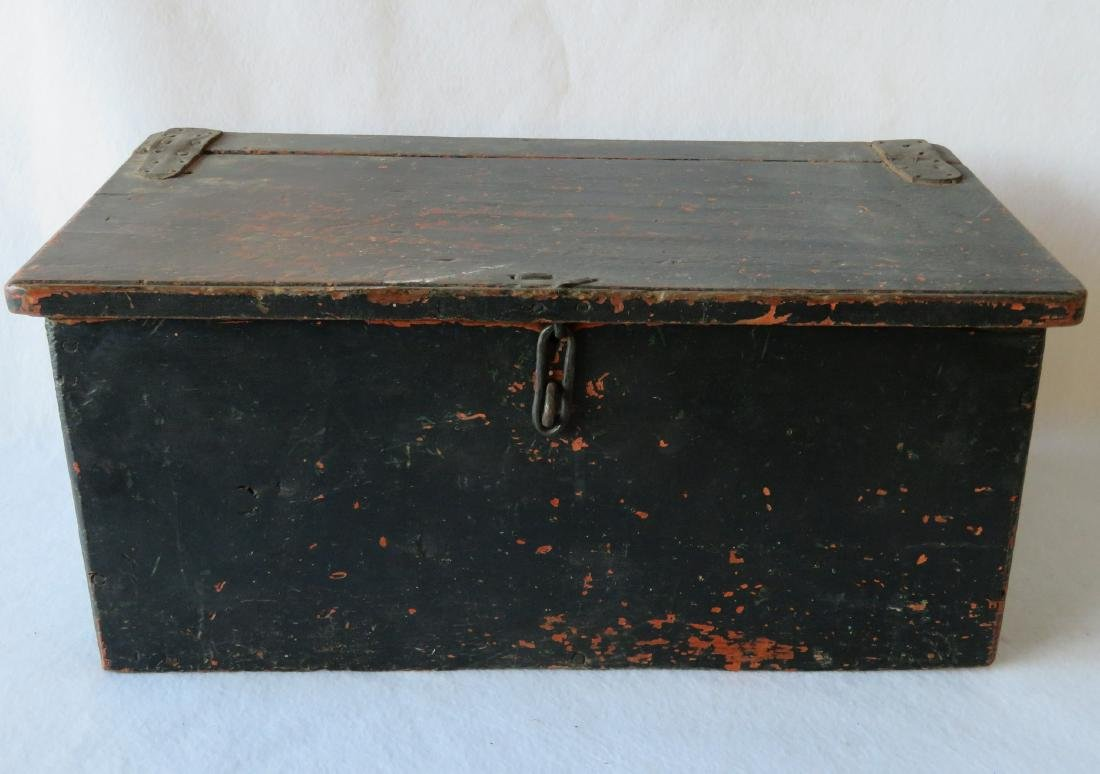 Early primitive Hudson Valley seed storage box with