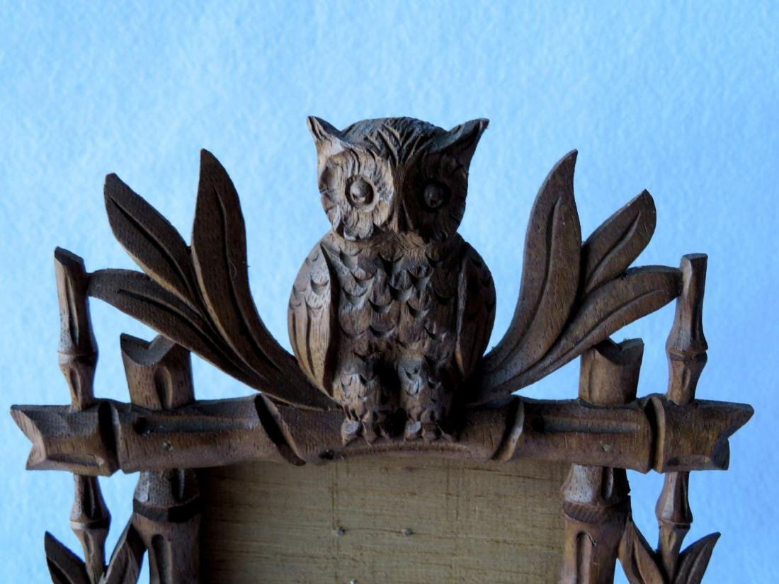 Rustic carved wooden frame with a seated owl finial, - 3