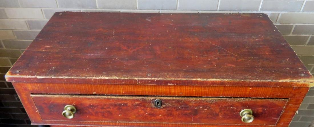 Country Sheraton grain painted chest having 4 reverse - 2