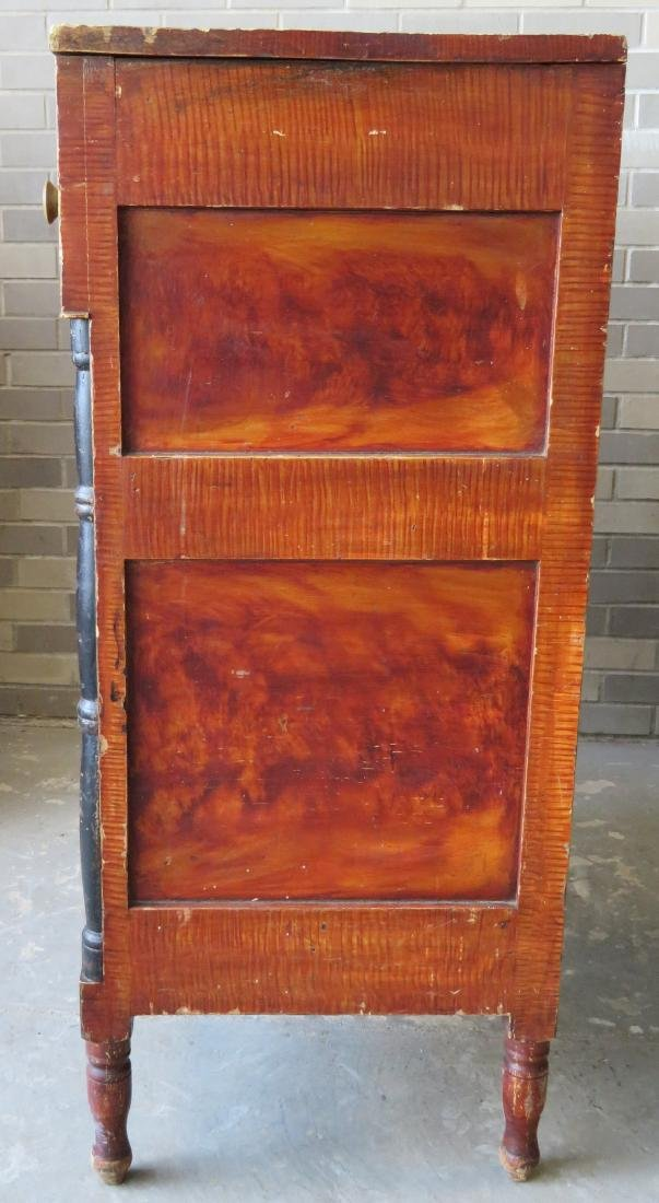 Country Sheraton grain painted chest having 4 reverse - 5