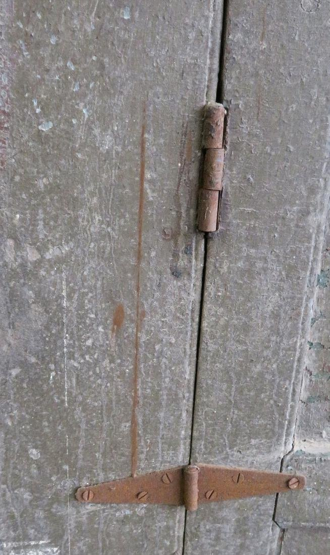 Hudson Valley cupboard having 2 paneled doors, original - 3