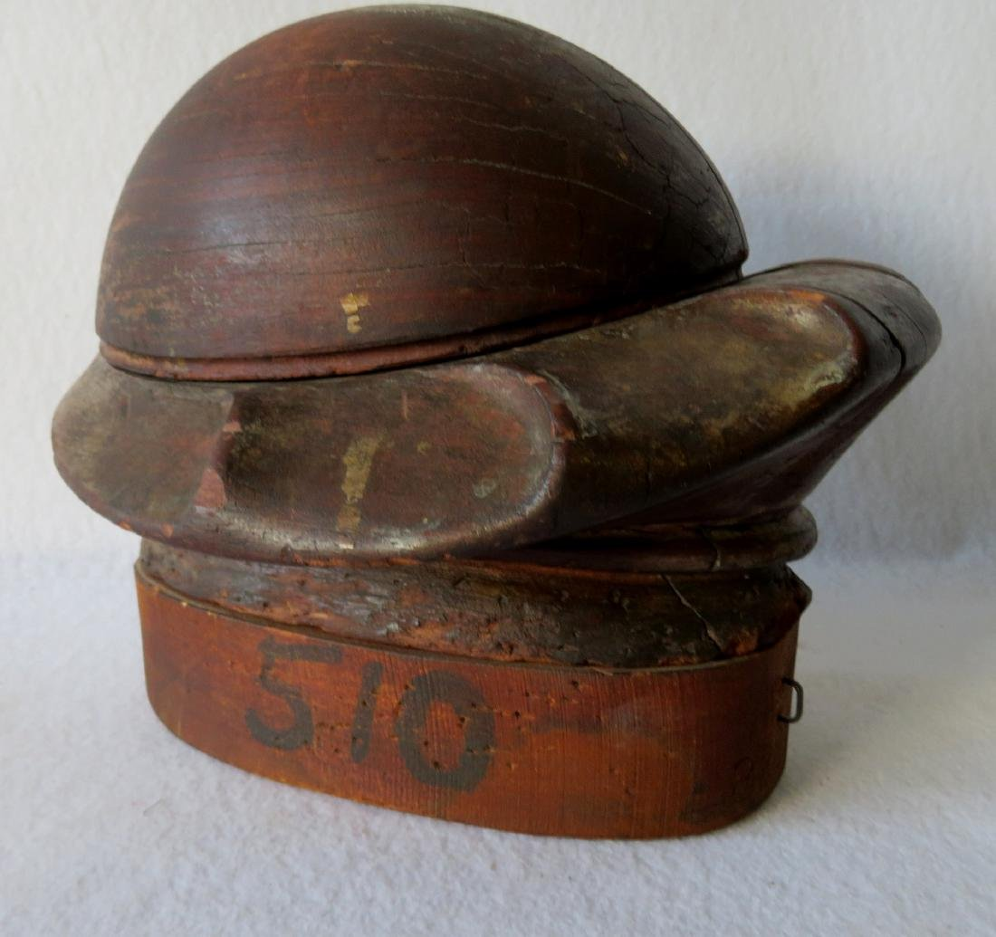 Early wooden hat mold composed of removable sections - 5