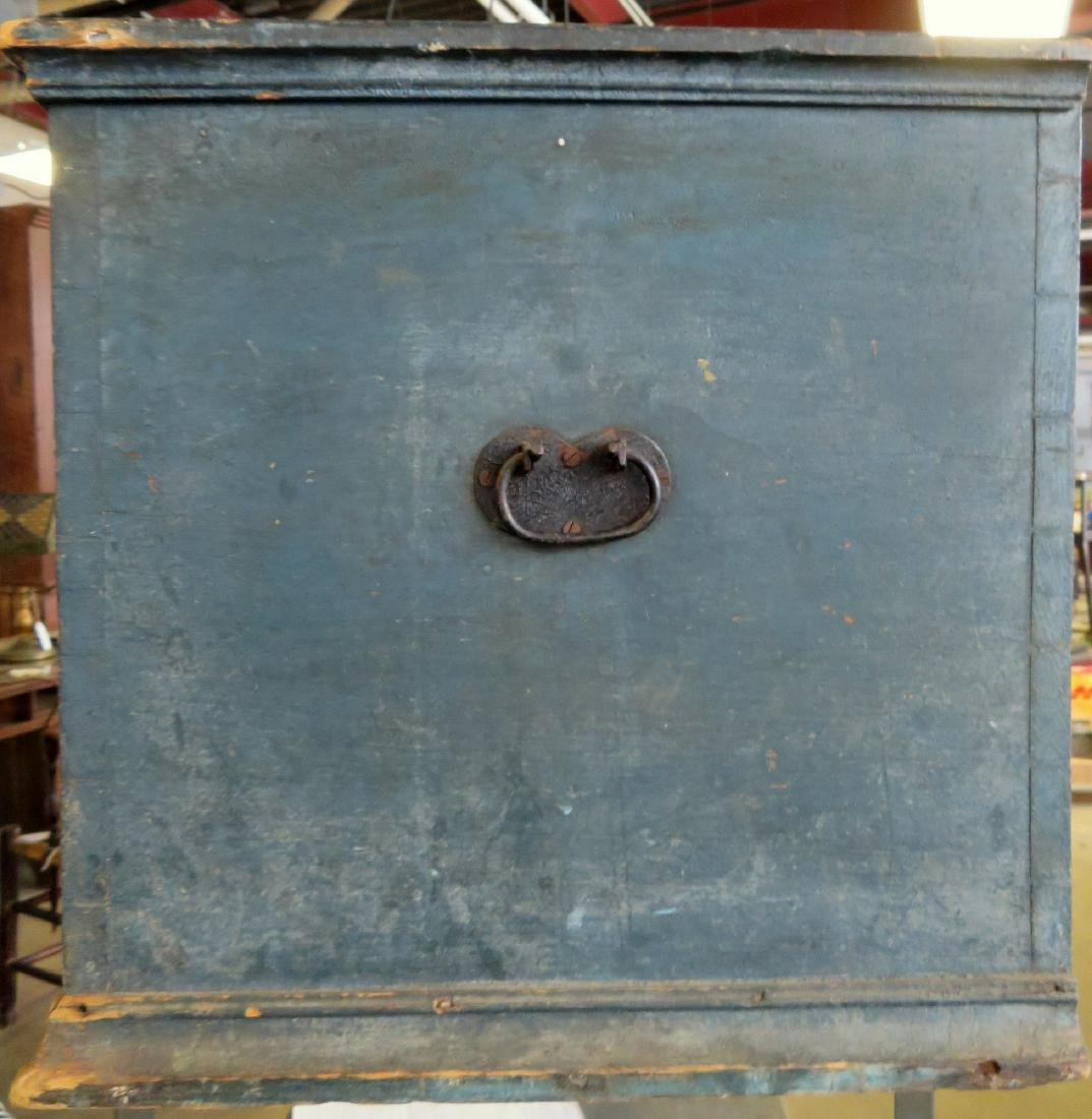 Hudson Valley blanket box in original blue paint with - 7