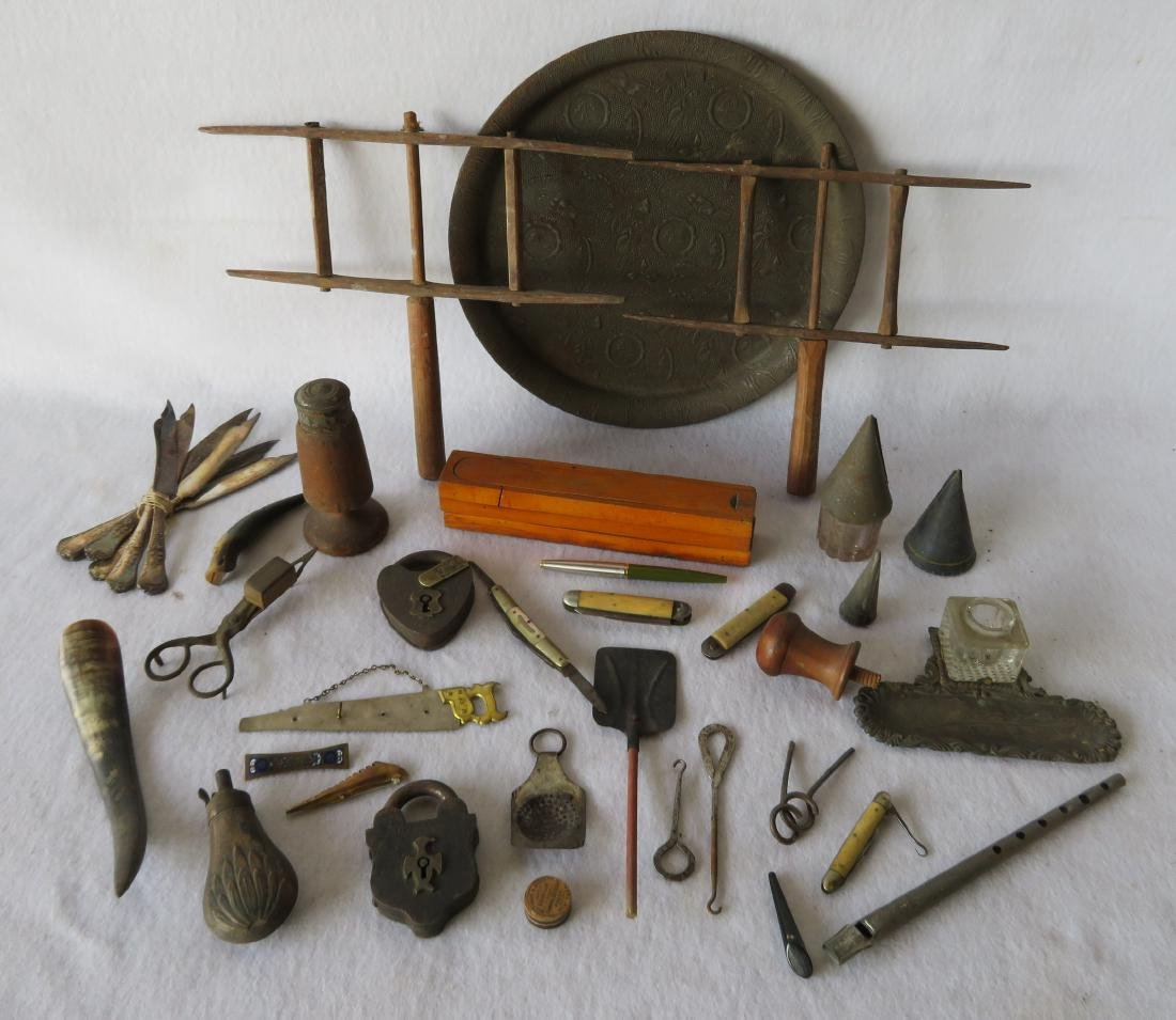 Large grouping of collectibles including 2 railroad