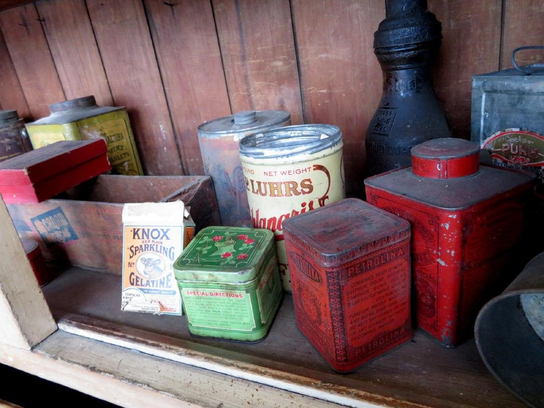 Large lot of advertising tins including Clay's Blend - 7