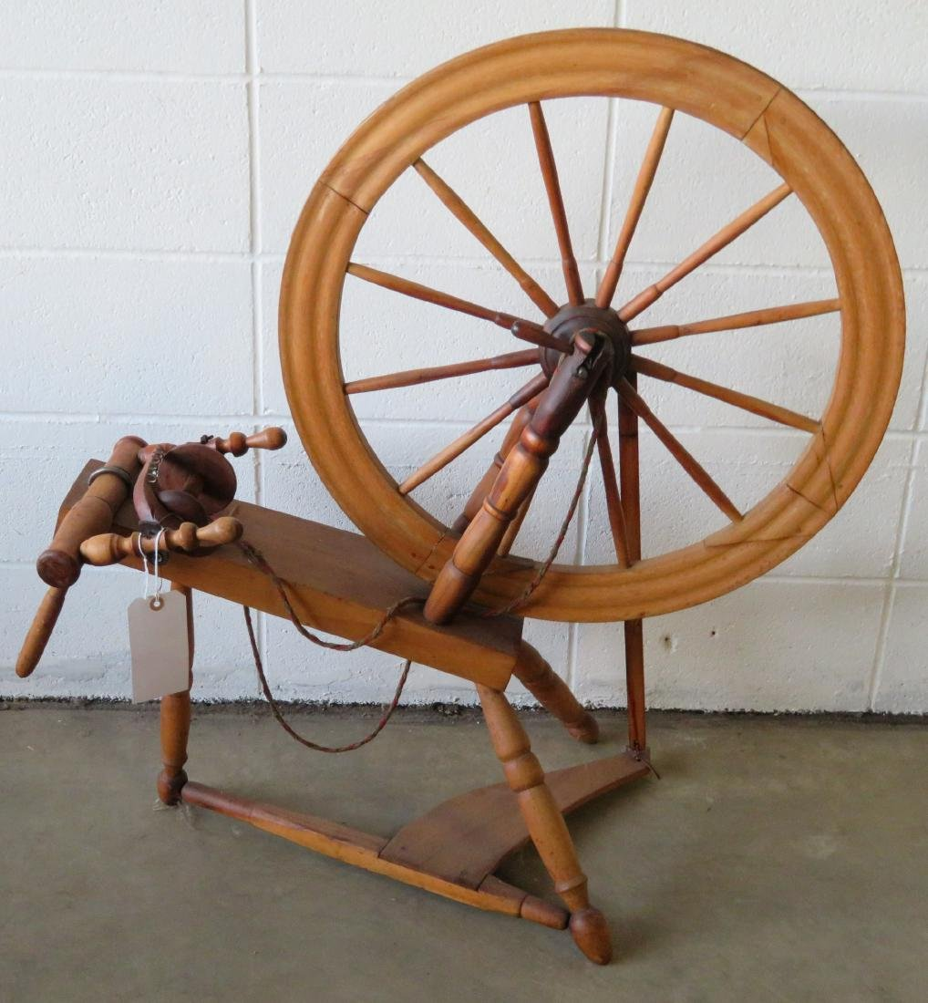 Parlor spinning wheel, 19th century in very good