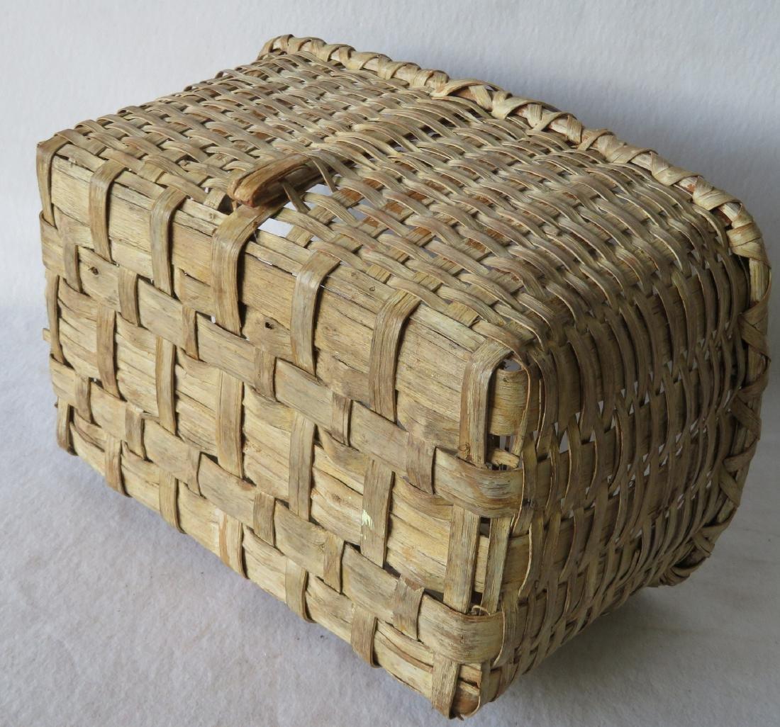 Early splint market basket in old white paint, 19th - 3
