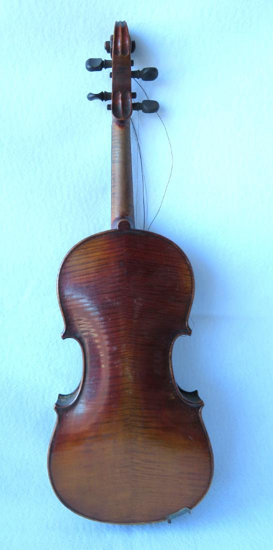 Violin with strong tiger maple on neck and back. - 2