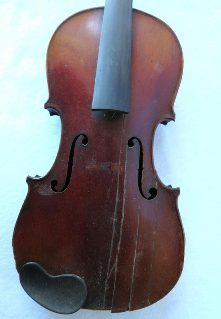 Violin with strong tiger maple on neck and back. - 4