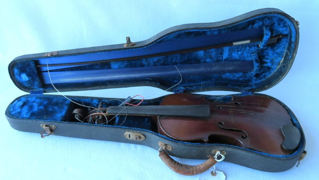 Violin with strong tiger maple on neck and back. - 7