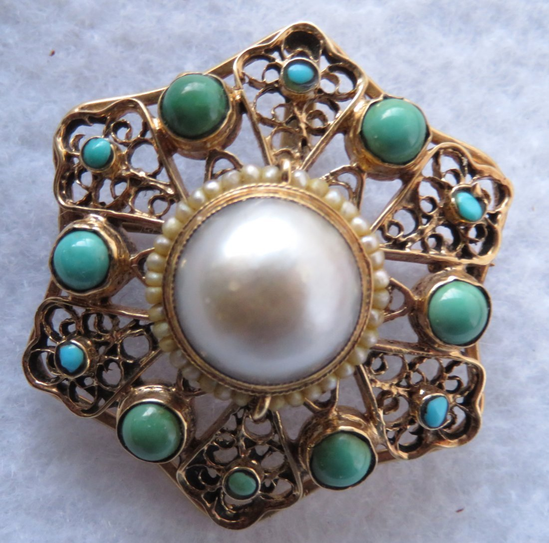 Star shaped brooch - 14k with Persian turquoise stones