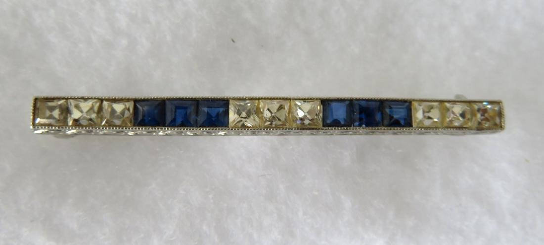 Art Deco bar pin - 18k white gold - 6 square cut