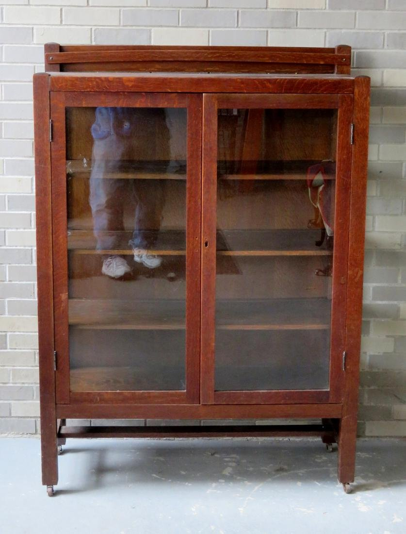 Mission oak 2 door china cabinet - appears to retain