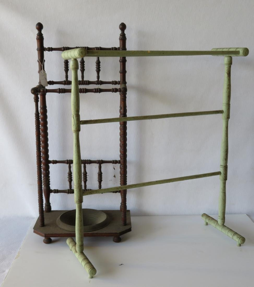 Two small pieces of country accessories including a
