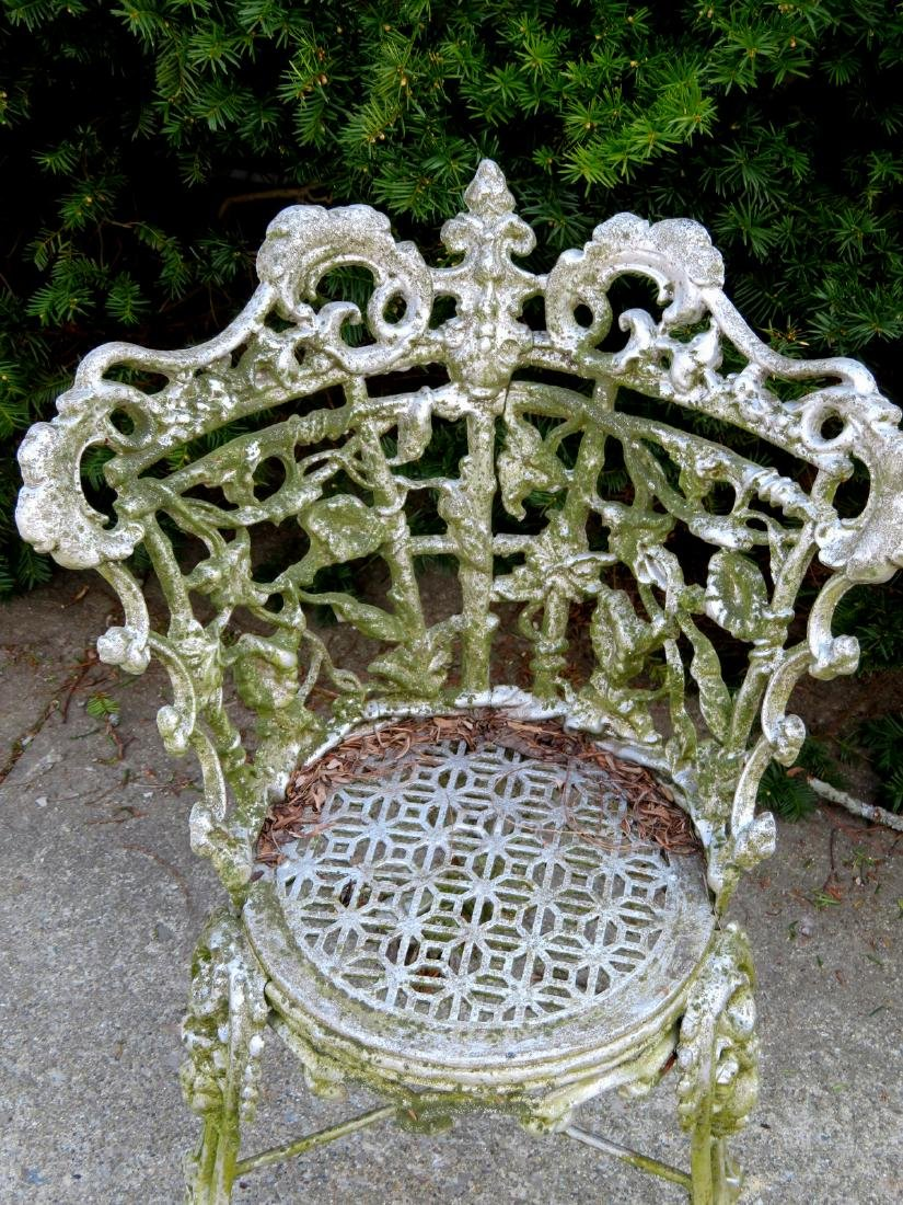 Cast iron classical garden seat decorated with scrolls, - 2